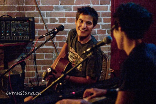 image of Cliff Cardinal and Tara Williamson playing at The Red Garnet