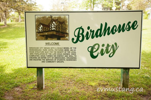 image of birdhouse city sign