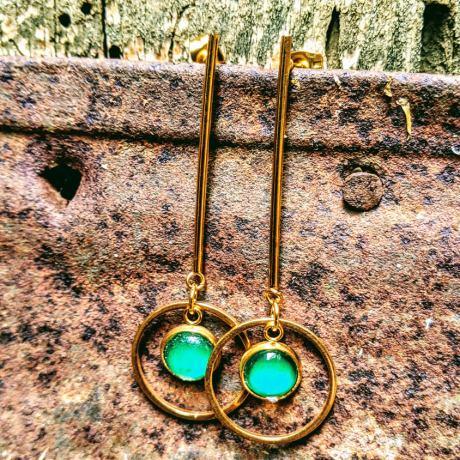 boucles tiges dorées verte