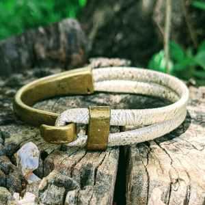 bracelet demi jonc bronze fruit du cerisier creme irisé evolbijoux (1)