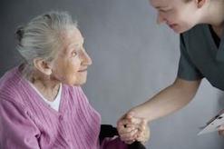 Etre en relation avec la personne âgée