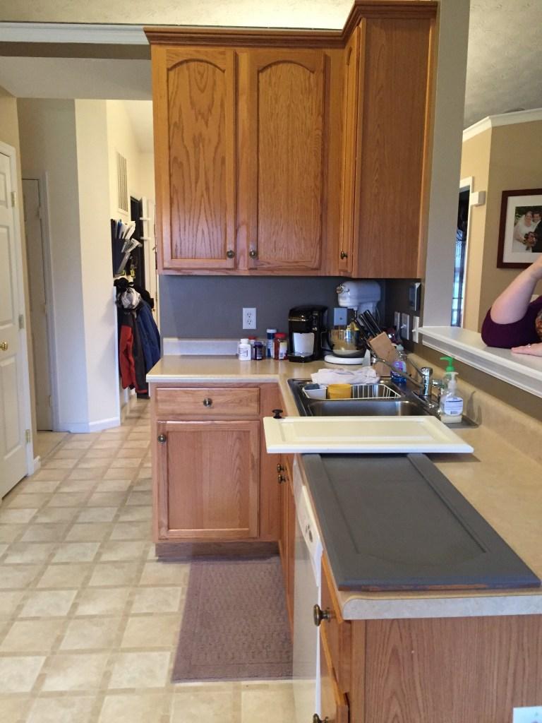 oak-kitchen-before-gray