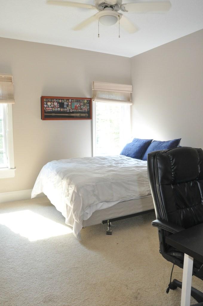 teen-bedroom-before2
