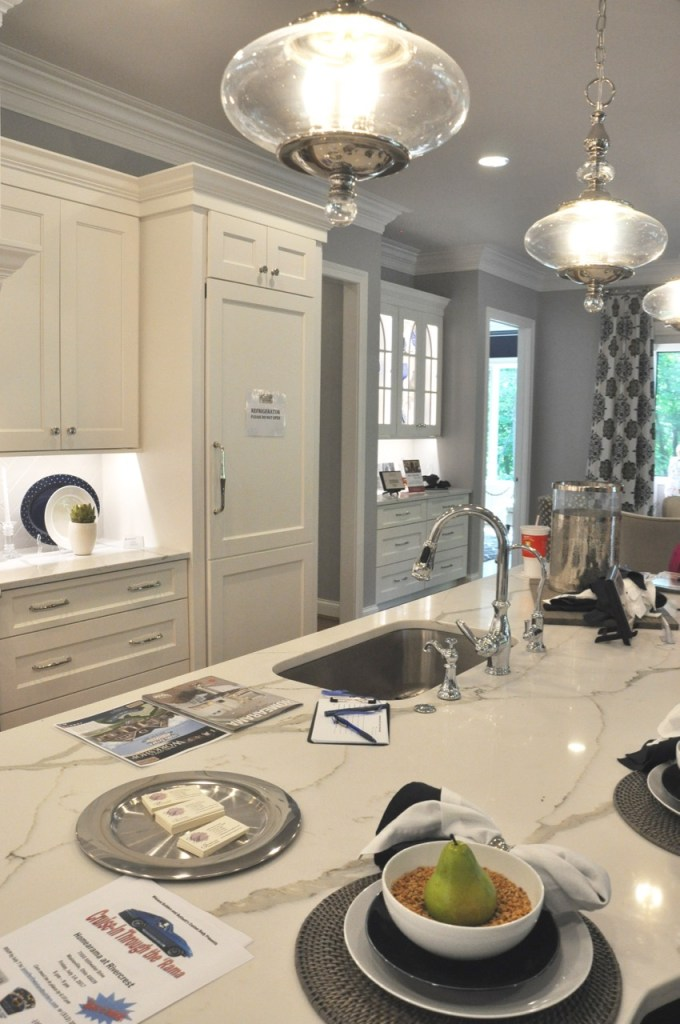 White Custom Kitchen