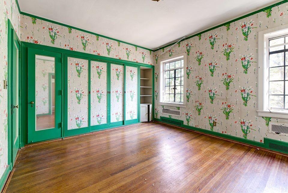 Julian Price Flower Room Before