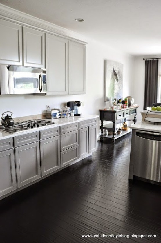 Sherwin Williamson two-toned kitchen - Gauntlet Gray and Repose Gray