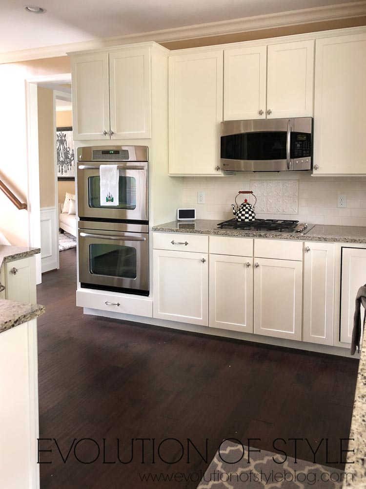 Cabinets Painted White - PPG's Edelweiss