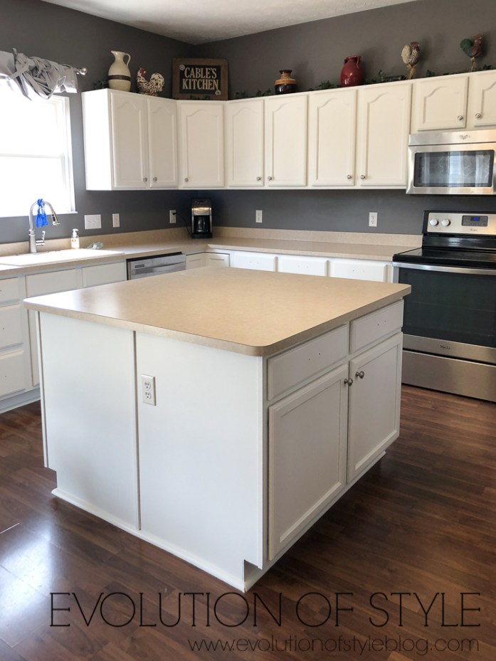 Benjamin Moore White Dove Painted Kitchen Cabinets