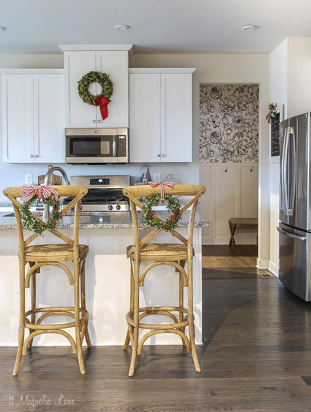 11 Magnolia Lane - Christmas Kitchen