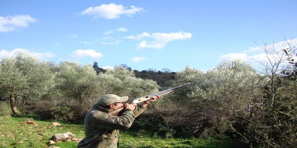 Ευχαριστίες στους κυνηγούς για τη συμβολή τους στην αντιμετώπιση της λύσσας