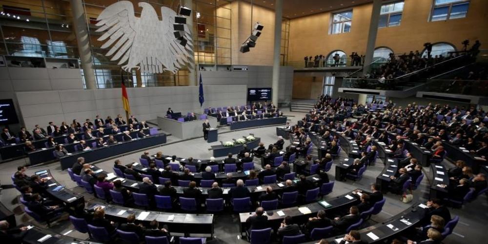 Η γερμανική Βουλή ψήφισε υπέρ του γάμου ομοφυλοφίλων. Αντίθετη η Μέρκελ