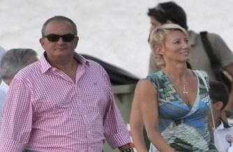 Ο πρώην Πρωθυπουργός Κώστας Καραμανλής είναι οικογενειακώς στη Σαμοθράκη