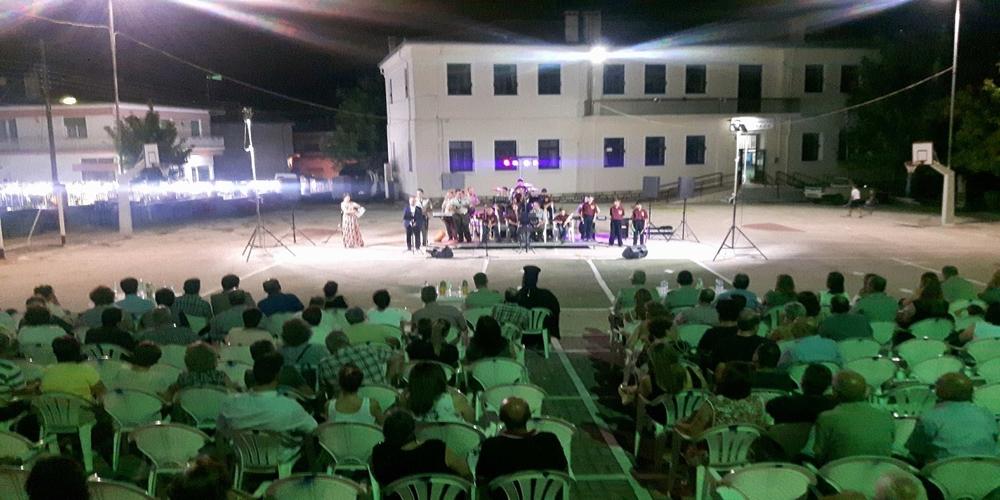 Όμορφη μουσική βραδιά από τη στρατιωτική μπάντα της 16ης Μεραρχίας στους Μεταξάδες(video+φωτό)