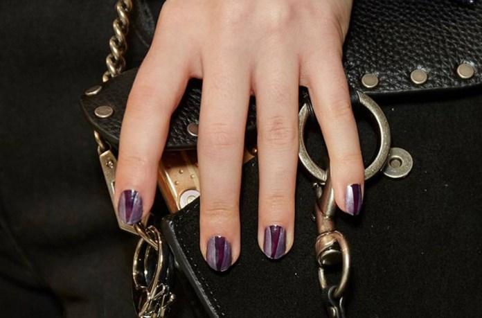 Τα metallic nails είναι αυτό που ψάχνατε! - evros24.gr 4eb70fff281