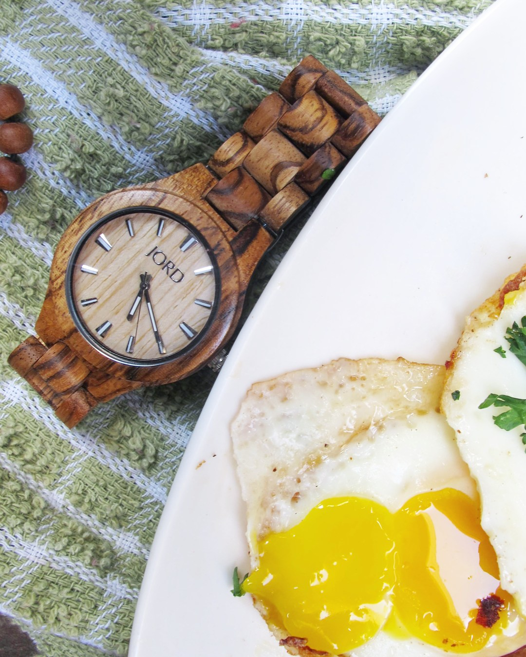 Celebrate your dad for Father's Day with yummy Steak and Eggs. The perfect Father's Day Gift.