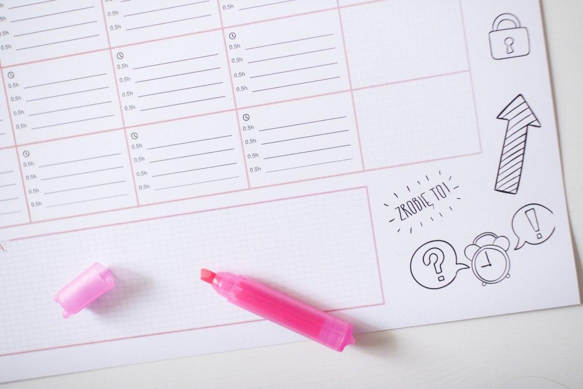 Rozwój Osobisty | Nauka | Planer codziennej nauki dopobrania zadarmo! Ucz się codziennie czegoś nowego. http://www.ewelinamierzwinska.pl/blog/wyzwanie-ucz-sie-codziennie-nowej-rzeczy-planer-do-pobrania/