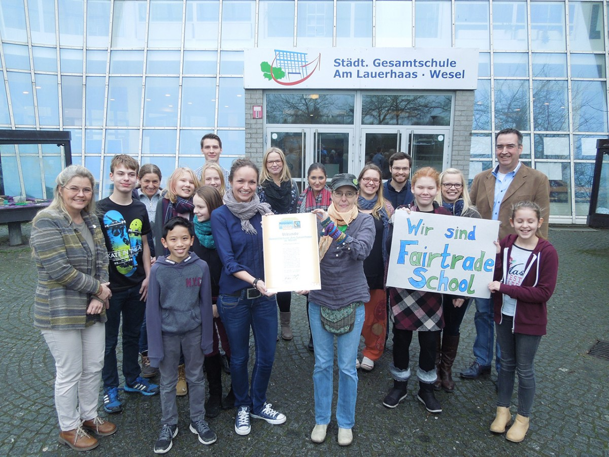 Die Eine-Welt-Gruppe Wesel gratuliert der Gesamtschule am Lauerhaas zur Auszeichnung als Fairtrade-School!