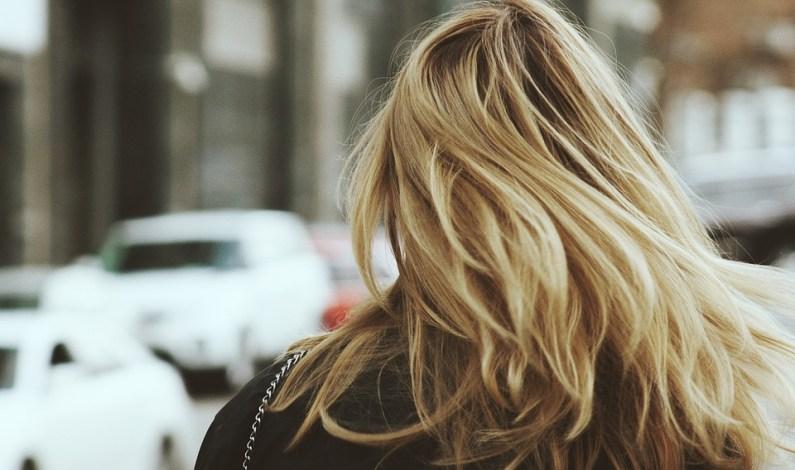 Jak mít krásné a zdravé vlasy díky doplňkům Orava