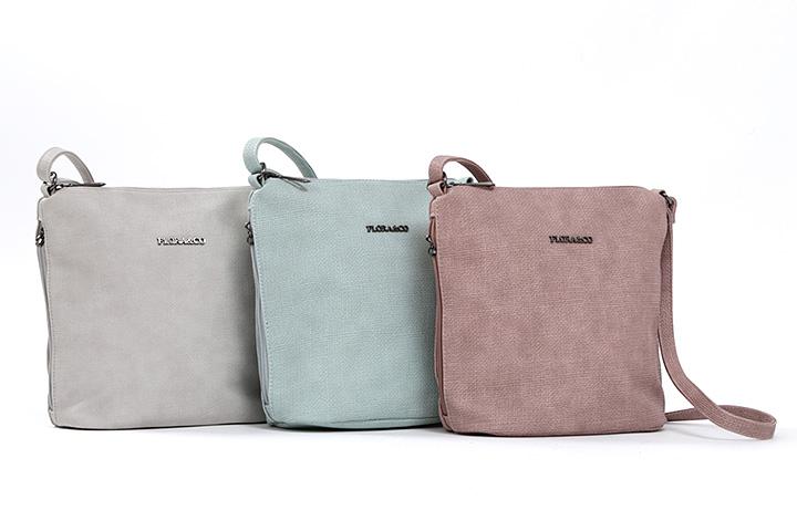 Jedna kabelka nikdy nestačí