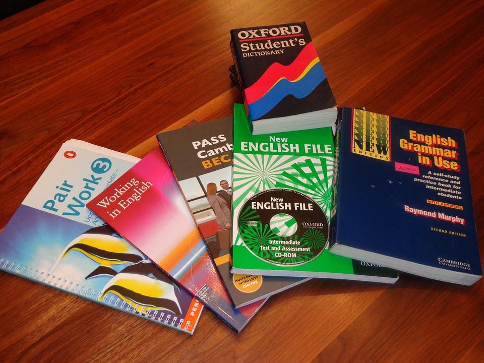 school-books-99476_960_720