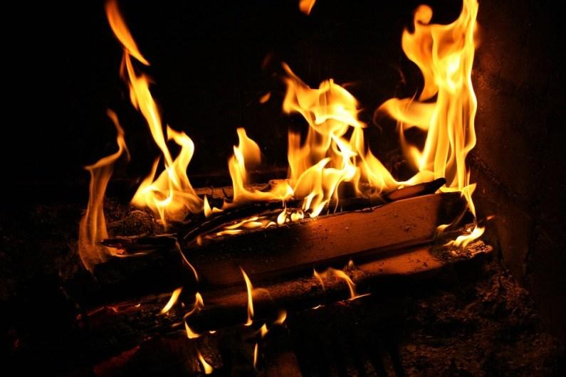 Topte chytře – vyměňte dřevo za brikety