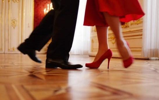 Prodej plesových šatů je na spadnutí