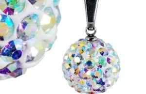 Šperky zdobené kryštálmi kubických zirkónov vyzerajú dokonale!