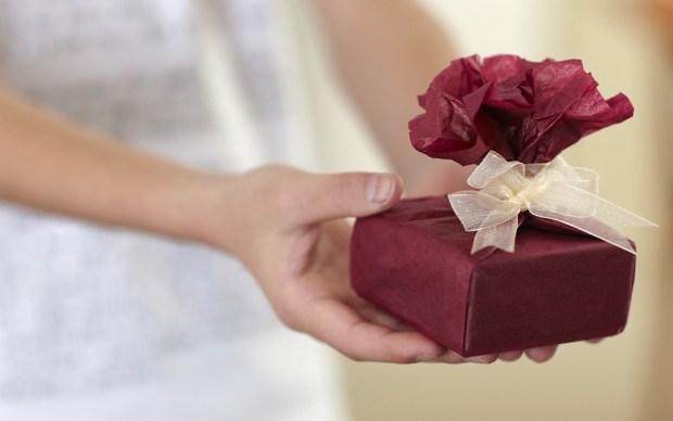 gift-687263_960_720