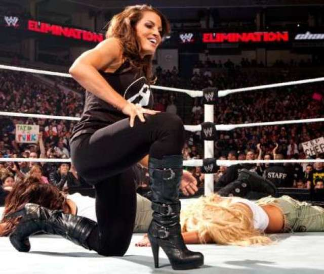 Trish Stratus Shows Off Her Physical Transformation Comments On Working The Royal Rumble