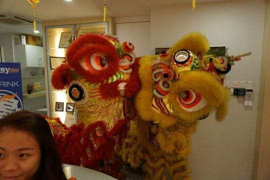 2 lion dance performance at Exabytes Puchong office