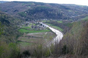 This photograph captures the view William Wordsworth saw as he hiked above Tintern Abbey and wrote this poem.