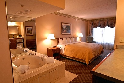 Hotel Rooms With Jacuzzi Suites Amp Hot Tubs Excellent