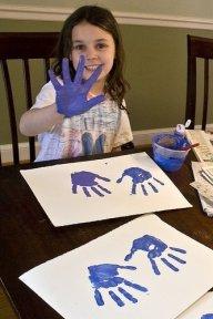Lakukan aktiviti seni bersama anak