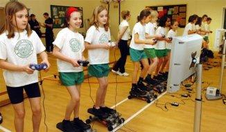 videojuegos activos Recomiendan el uso de videojuegos activos en niños obesos
