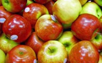 Comer dos manzanas reduce el colesterol