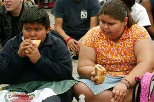 sobrepeso infantil  Los niños con sobrepeso tienen mayor riesgo de presión arterial alta