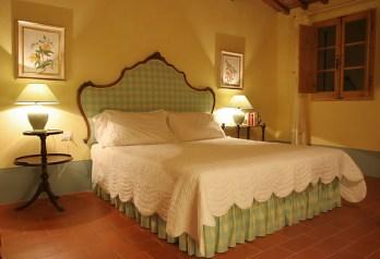 MAHONIA bed
