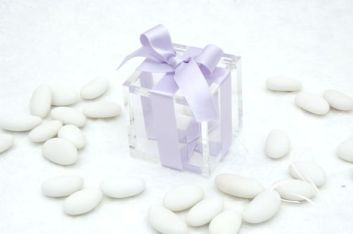 Glass boxes with sugar almonds