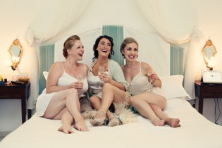 Fifties style wedding on the Amalfi Coast – Bride and Bridesmaids