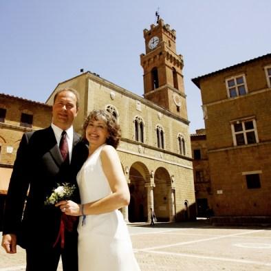 Bridal couple in Pienza