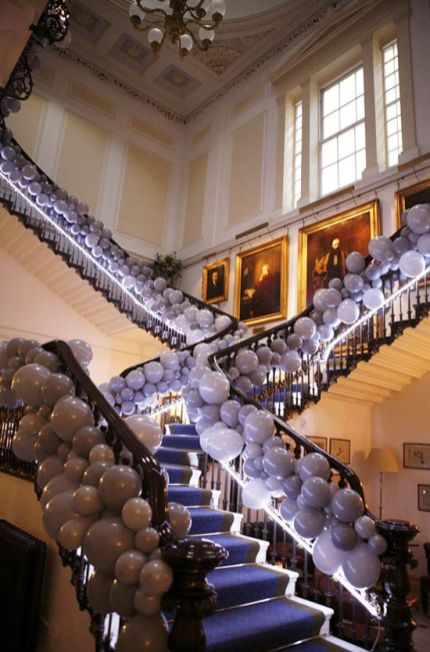 Balloon staircase