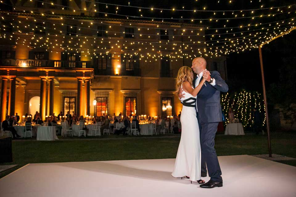 Bride and father dancing at Villa di Maiano