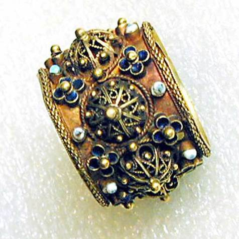 Antique Jewish wedding ring from Italy (16th/17th century)
