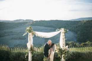 Jennifer and Didier getting married in Tuscany