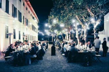 Wedding reception in the gardens of Villa Vistarenni