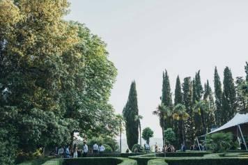 Wedding cocktail in the gardens of Modanella