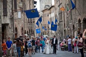 tuscany-wedding-san-gimignano-640