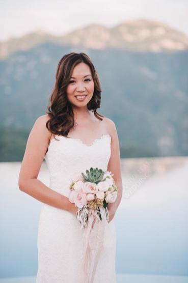 Symbolic wedding in Ravello: portrait of the bride