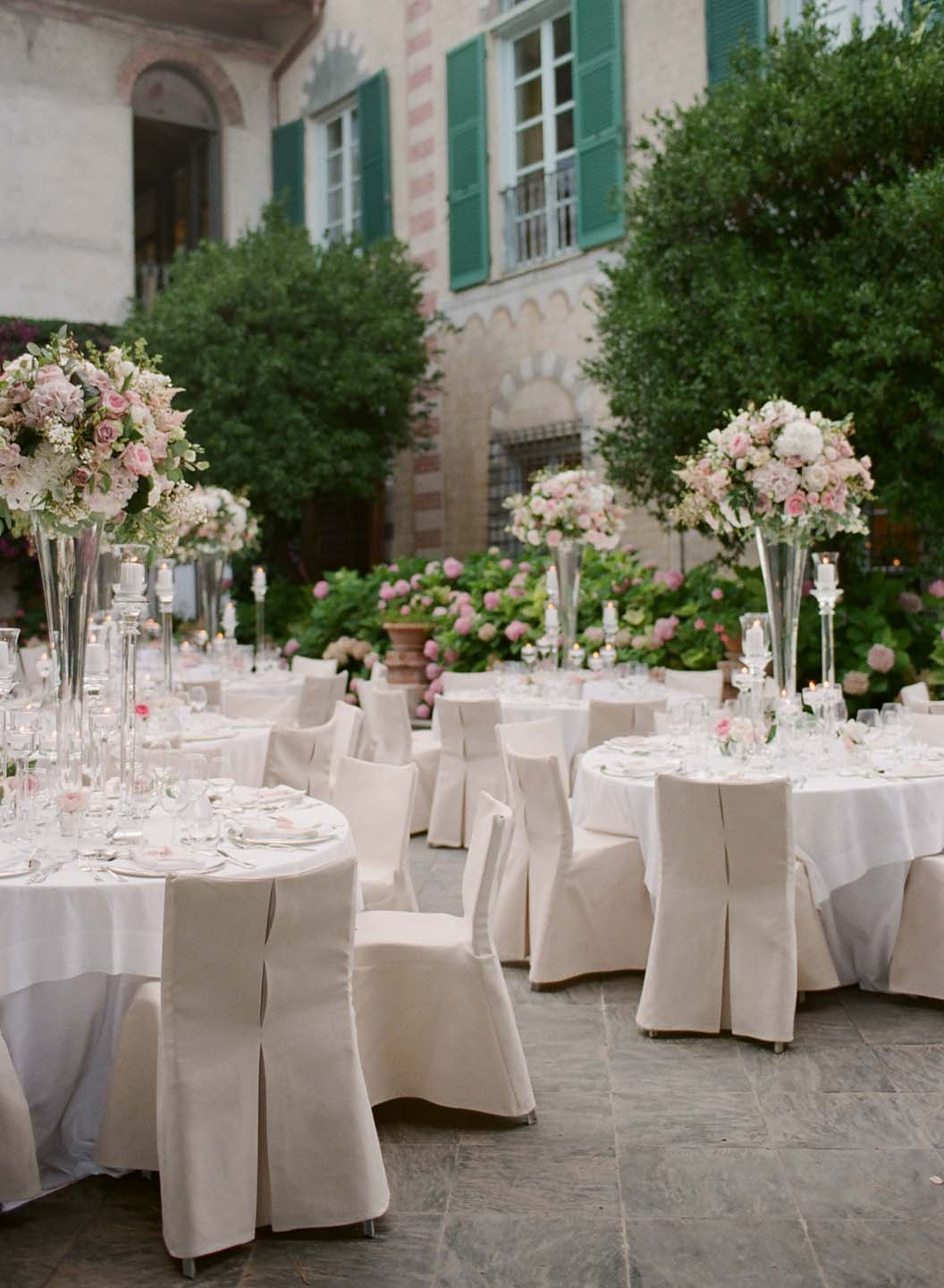 flower decor in pink and white