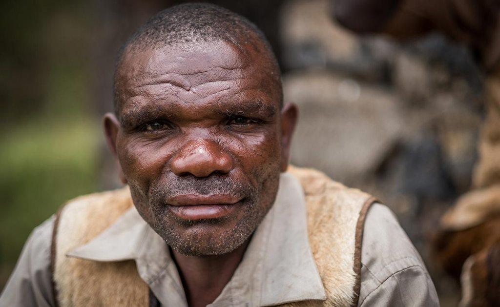 batwa pygmy in mgahinga uganda